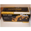 First Gear International Harvester 560 Payloader - 1:25 scale